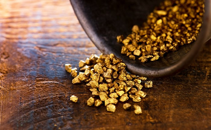 Gold price baffles both bulls and bears